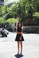 Lucita Y - Sheinside Dress, Mr Boho Sunglasses - LBD
