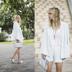 Lisa Dengler -  - THE SHORTS SUIT