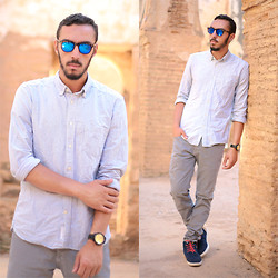 Youssef Harzy - Spektre Blue Colored Sunglasses, H&M Blue Light, Zara Gray Jean, Bershka Blue - Wear Casual to Chellah