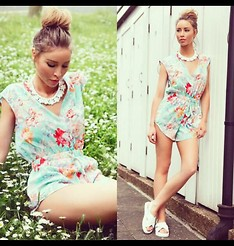 Lauren Pope - #Itsbylp Playsuit, Topshop Necklace, New Look Sliders, Hair Rehab London Clip On Bun - Floral Wrap Playsuit