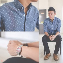 Andrew Pablico - Uniqlo Paisley Chambray Button Down, Uniqlo Black Jeans, Casio Watch, Sperry Top Siders Tan Boat Shoes - Paisley