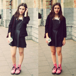 Nausikaä B - Forever 21 Dungarees Dress, Dr. Martens Pink Doc, H&M Crop Top, C&A Blazer, Grandma's Clutch - Dungarees