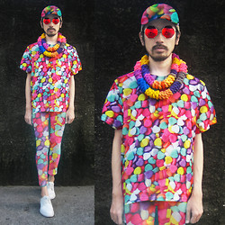Andre Judd - Candy Print Tee With Matching Trousers And Cao, Wear Vintage Octagonal Frames, Simones Closet Braided Loop Neckpiece - FASHION VITAMINS
