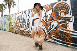 Linda Lind - Forever 21 Crochet Dress, Melie Bianco Bag - Graffiti