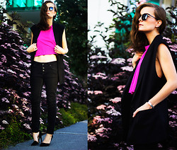 Ingrid Wenell - H&M Cropped Top, H&M Sleeveless Blazer, Asos Round Sunglasses - Pink Elderflowers
