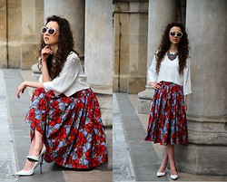 Gosia B. -  - Crop top and flower skirt