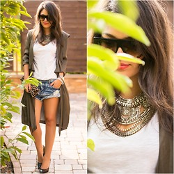 Zipy Personalshopper - Céline Shades, Mojito Fashion Necklace, Zara Caftan, One Teaspoon Shorts, Clare Vivier Clutch, Michael Kors Pumps - Silk touch