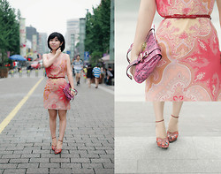 Eva Wang - Finity Salmon Pink Dress, Salvatore Ferragamo Snakeskin Salmon Pink Sandals, Mulberry Purple Leopard Purse - Nude salmon