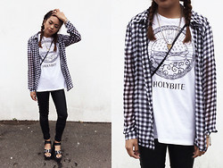 Chariza Miranda - Topshop Leather, Yesstyle Buckled Chunky, Zara Tee - Let's go for a burger