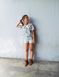 Ivana Sekuloska - Littlebig Crop Top, Topshop Jeans, Zara Sunglasses, Pull & Bear Wedge Sneakers - Smiley