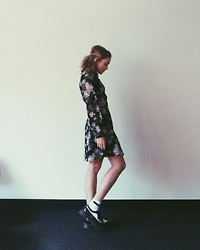Nat Max - Forever 21 Chiffon Rose Dress, Topshop Bow Socks, Dr. Martens Wingtip Creepers - Fluer blanc