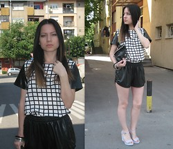 Marija M. - Checkered Print, New Yorker Pu Leather - Gingham style