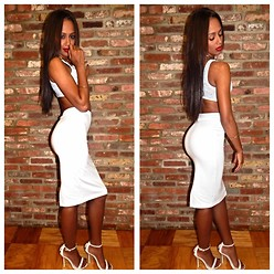 RAY RAY - American Apparel Pencil Skirt, Bakers Studded Heels - Nice Gal // American Apparel