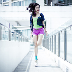 Ren Rong - Ggorangnae Purple Green Socks, Cotton On Lace Ups, Forever 21 Orchid Cutoff Denim Shorts, Uniqlo Green Bratop, Mouth Valley Lace Cardigan, Forever 21 Hot Pink Feather Earrings - Colouring The Sky
