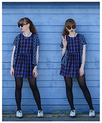 Emily May - Urban Outfitters Black Round Sunglasses, Urban Outfitters Blue Printed Shirt, Glamourous Blue Tartan Dress, Dr. Martens Floral Tapestry Print Dms - Garage Blues