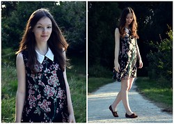 Nina JC - Shikha London Sleeveless Japanese Cherry Blossom Dress In Black, Atmosphere Tan Brogues - Japanese Cherry Blossom