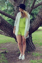 Leigh Travers - Desire Clothing Co Ord - KEY LIME PIE