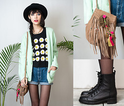 Sophie Traverse - Mint Cardigan, Black Tee With Daisies, Levi's® Levis Shorts - Lovely sundaisy