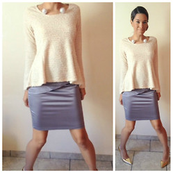 Ka Martins - Big Pearls Necklace, Pale Blouse, Grey Skirt, Jorge Alex Golden Pumps - Classy Tuesday