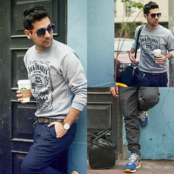 Luisfernando Delgado - Zara Jogger Pants, Daniel Wellington Watch, New Balance Sneakers, Starbucks Peppermint Mocha, Zara Lentes <3 - JACK DANIELS