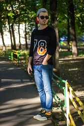 Oleg Borha Borha - Topman Sweatshirt, Topman Jeans, Nike Sneakers - Look of the day 4