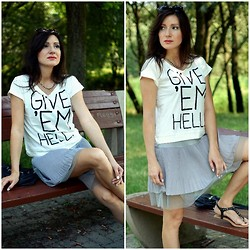 Paulina M - Sinsay T Shirt - Hell good