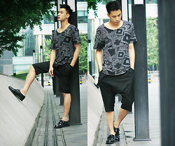 Chris Su - H&M Top, Dr. Martens Shoes - Get Lost