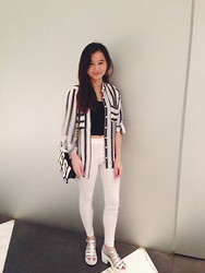 Veronica W. - Pull & Bear Top, Aland White Pants, Tour De Coup Sandel In Heels, I.T. Yes Or No Bag - Smart Casual Sunday. x