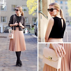 Jenni R. - Zara Pleated Skirt, Samuji Cardigan, Sandro Top, Väska Bag, Clou Ankle Boots, Glitter Sunglasses, Plum Lipstick, & Other Stories Ring - Powdery and pleated
