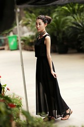 Mindy H - Maxi Dress - * all black everything