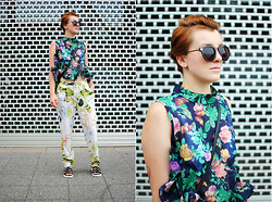 Monique K.... - Top, Pants, Sunglasses - Floral