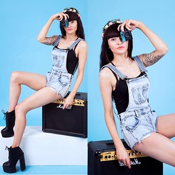 Victoria Rose - Love Clothing Chunky Heel Lace Platform, Acid Reign Wash Denim Dungarees - Charlie Stone Dungarees