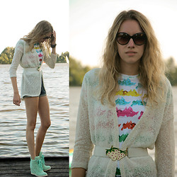 FREAKDELAFASHION ♡ - Oasap, Supertrash, Shoe Biz - PAINTING THE WHITE SHIRT