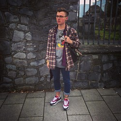 Paul O' Farrell - Vintage Flannel, Vintage Plaid, Urban Outfitters Mickey Mouse Tshirt, Topman Skinny Jeans, Nike Airmax - Super casual 31/07/14