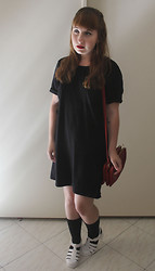 Madeline R - Pins And Needles T Shirt Dress, Forever 21 Red Crossbody Bag, Sway Chic White Jelly Platforms - Roman Nights