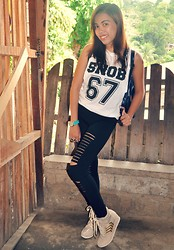 Venus Smileygal - Romwe Distressed Black Slit Leggings, Chili Girl Snob Sleeveless Vest - Snob