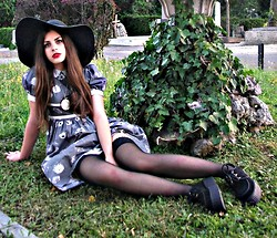 Leonarda Eufemia - Accessories Accesorize Black Floppy Hat, Cameo The Label Pendant, Grey Floral Vintage Dress, Black Lace Stockings, Underground Uk Black Creepers - Forever Young
