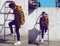 Wil Huertas - Forever 21 Anchor Scarft, Pull & Bear Yellow Jacket, Adidas Classic Basketball - Shades.