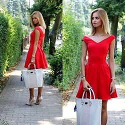 Paula Jagodzinska - Paul's Boutique Bag, Dress - Lady in Red