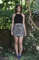 Elly Sutherland - Primark White Wayfarer Style Sunglasses, H&M High Neck Black Spaghetti Strap Crop Top, Missguided Laudine Zebra Print Mini Skirt, Nike Dual Fusion Trainers - LET ME DOWN GENTLY