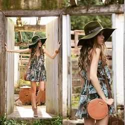 Flávia Desgranges van der Linden - Mondabelle Dress, Lack Of Color Hat, Orna Bag - True Love