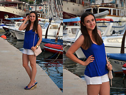Barbora D. - H&M Top, H&M Bag, H&M Shorts, Humanic Wedges, Marc By Jacobs Watches - Electric blue