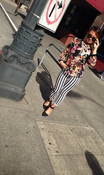 Geraldine Gigi Styleclassedge -  - Flowers, stripes and Ray Bans