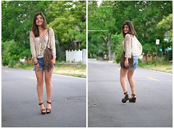 Carolina Hellal - Urban Outfitters Crochet Top, Urban Outfitters Fringe Bag, Charlotte Russe Wooden Sandals - CROCHET