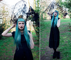 Isabella Barter - Charity Shop Dress, Yru Platforms - FORVEVER IN A DREAM, YOU'LL NEVER BE ALONE