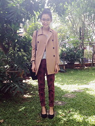 Adelle Veronica - Cloth Inc Coat, Zara Patterned Pants, Céline Nano Bag - ^.^