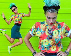 Alanna Durkovich - Shelfies Pineapple Tee, Zerouv Faux Wood Sunglasses, Balsam And Vine Boho Marks - Pineapple Mashup