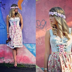 Fashiontwins - Christian Louboutin Shoes, Etc Dress, Sasalovesfashion Flower - Dirndl twin