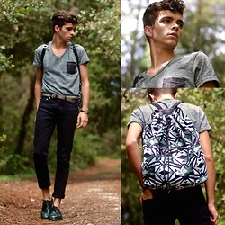 "Matthias C. - Scotch & Soda Mixed Green T Shirt, A.P.C. Black Skinny Jeans, Church's Green Leather Shoes, American Vintage Backpack, Swarovski Blue Stone Bracelet - ""Hipponoos"""