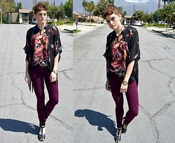 Bethany R. - Floral Fringe Kimono, Silent Hill, American Eagle Knit Jeggings - Fear No man